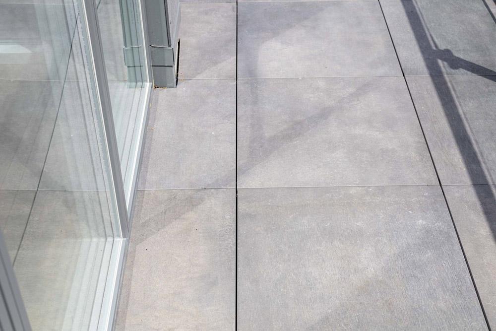 external-terrace-with-porcelain-tiles